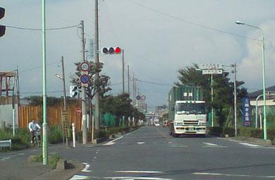 2つ目の信号「市役所東」を左折。